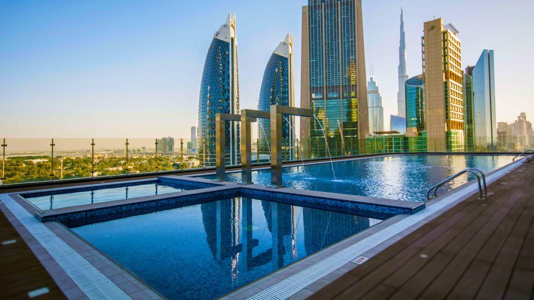 Hotel mais alto do mundo é inaugurado em Dubai