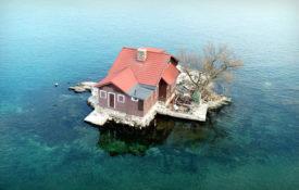 Menor ilha habitada do mundo é do tamanho de uma quadra de tênis